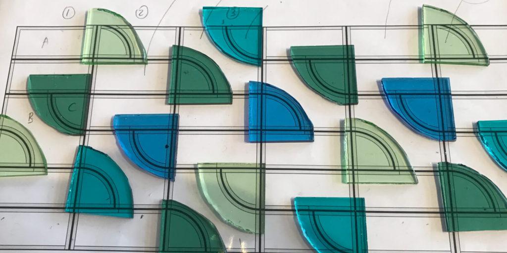 Grafisch ontwerp voorbeeld van glas in lood